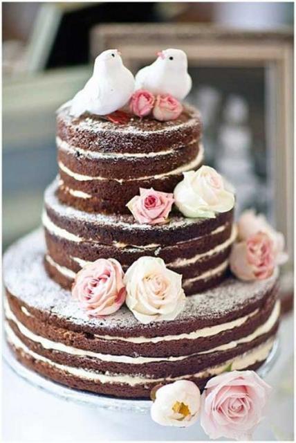 Bolo de Chá de Panela naked cake com flores