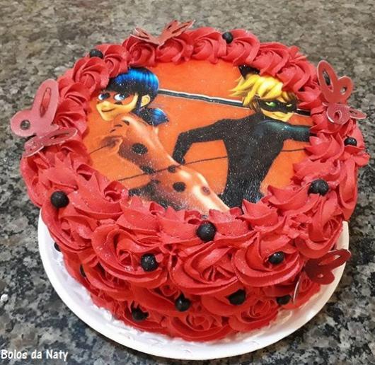 bolo vermelho Cat Noir