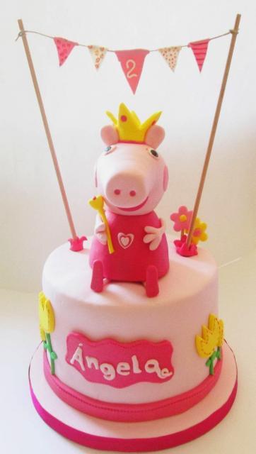 Bolo Peppa Pig Princesa simples