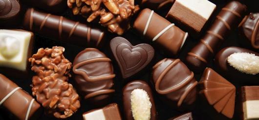 O que colocar na Caixa dos 5 Sentidos paladar doces chocolate personalizado
