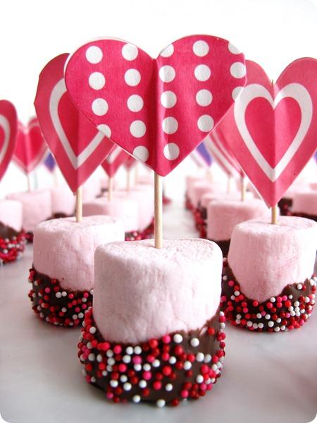 O que colocar na Caixa dos 5 Sentidos paladar marshmallow personalizado com topper de coração