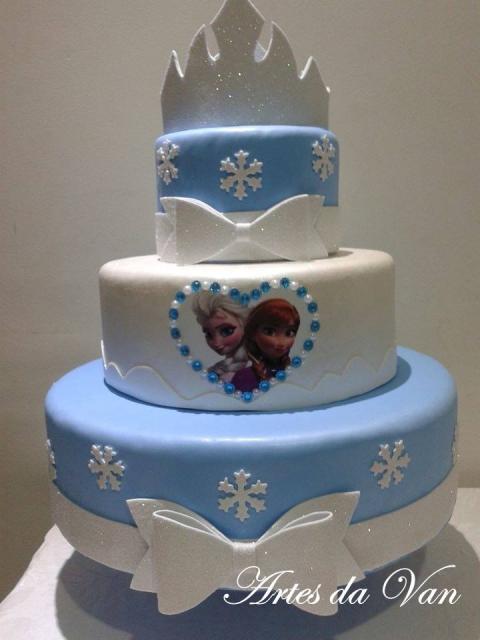 Como fazer um bolo fake de EVA tema Frozen