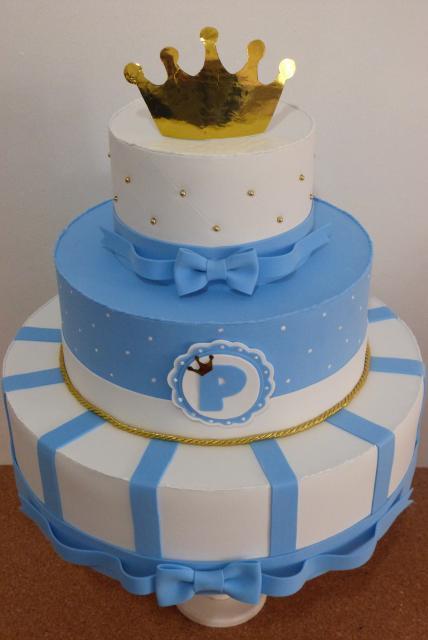 Como fazer um bolo fake de EVA tema realeza