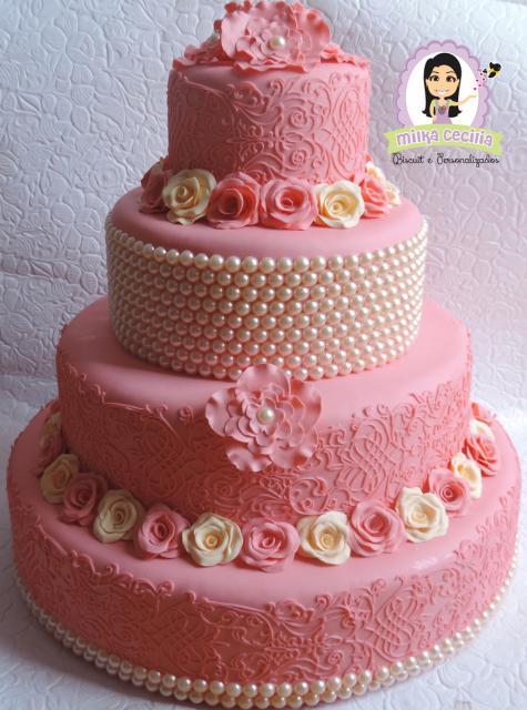 Como fazer um bolo fake: bolo fake de 15 anos rosa com pérolas