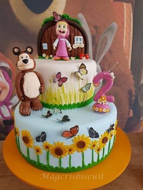 Como fazer um bolo fake: bolo fake de biscuit decorado com tema Masha e o Urso