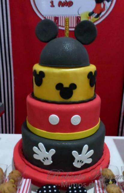 Como fazer um bolo fake: bolo fake de EVA com tema Mickey