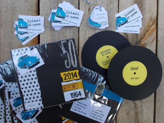 Fotos e Ideias de Convite Anos 60 masculino no formado de disco de vinil