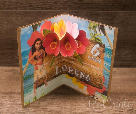 Convite Moana pop up com aplique de flores 3D