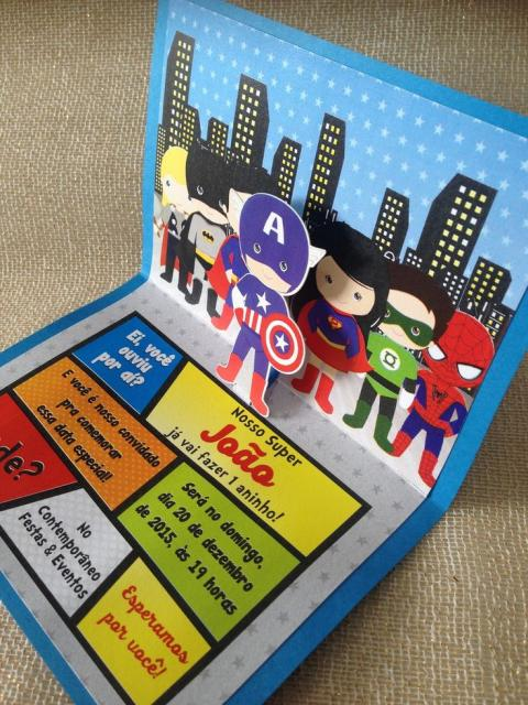Ideia de convite pop-up dos Vingadores Baby
