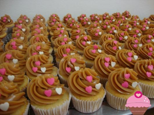 Cupcake para Casamento com decoração de doce leite