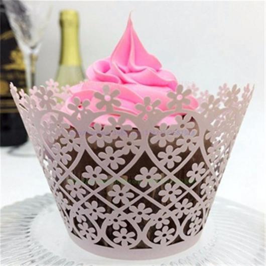 Cupcake para Casamento com wrapper de arabesco branco
