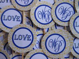 Cupcake para Casamento topper com iniciais dos noivos