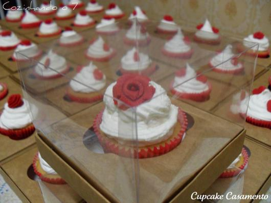 Cupcake para Casamento com caixinha