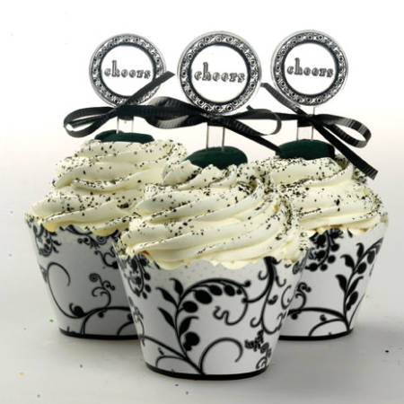 Cupcake para Casamento com topper preto e branco
