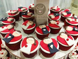 Cupcake para Casamento com aplique de noivinhos