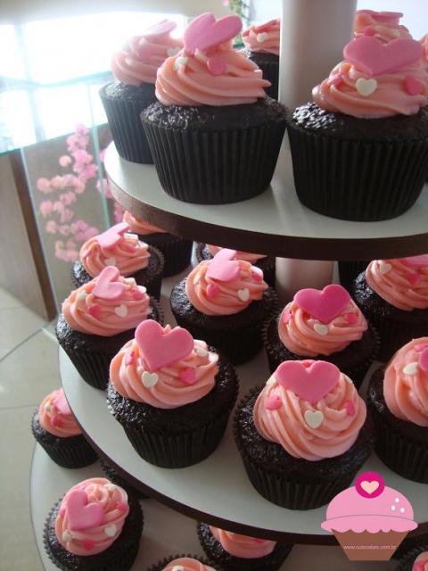 Cupcake para Casamento com cobertura rosa