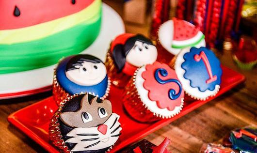 cupcake Show da Luna de pasta americana decorada