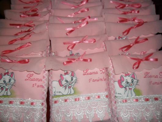 Decoração da Gatinha Marie lembrancinha toalhinha personalizada