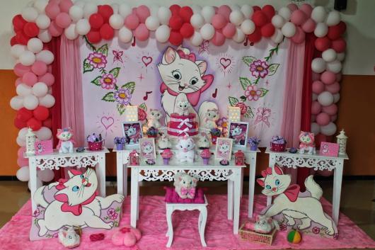 Decoração da Gatinha Marie arco de balões