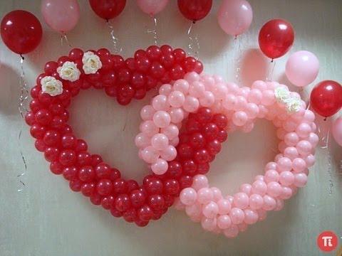 Decoração Dia dos Namorados com balões no formato de guirlanda