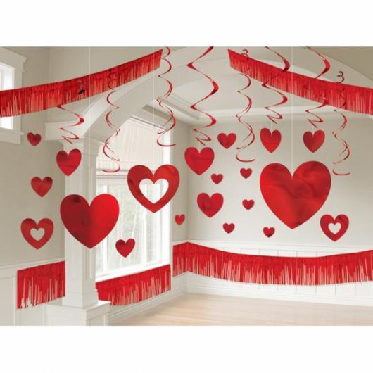 Decoração Dia dos Namorados de papel corações pendurados de papel