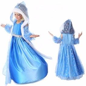 Fantasia da Frozen Elsa com capa branca
