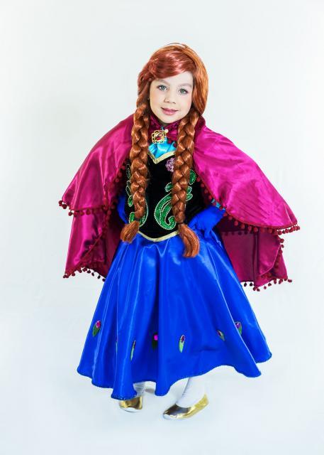 Fantasia da Frozen personagem Anna com peruca de tranças