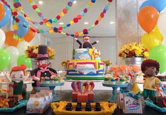 Festa Mundo Bita com bonecos de feltro