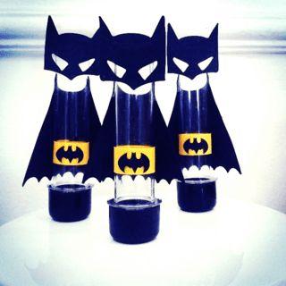 Fotos e Ideias de Lembrancinhas do Batman tubete com aplique de máscara do Batman