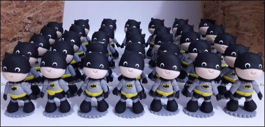 Fotos e Ideias de Lembrancinhas do Batman de biscuit mini Batman decorativo