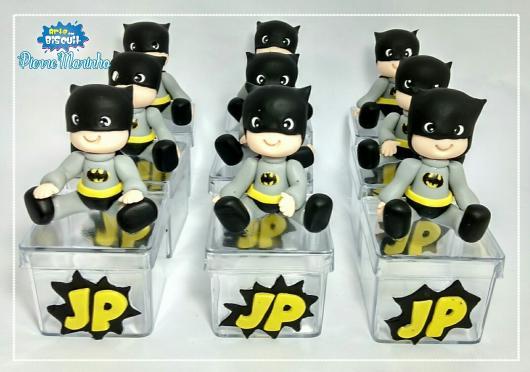 Fotos e Ideias de Lembrancinhas do Batman de biscuit caixinha de acrílico