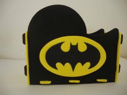 Fotos e Ideias de Lembrancinhas do Batman porta guardanapos de EVA