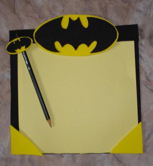 Fotos e Ideias de Lembrancinhas do Batman kit desenho de EVA