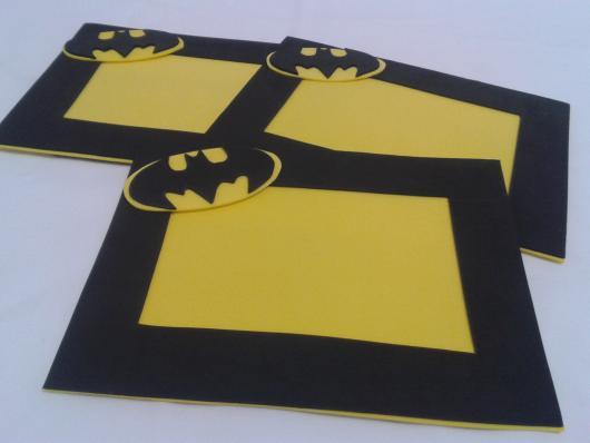 Fotos e Ideias de Lembrancinhas do Batman porta retrato de EVA