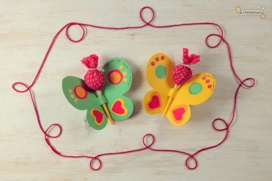 Lembrancinhas Fáceis de Fazer para festa infantil pirulito no formato de borboleta