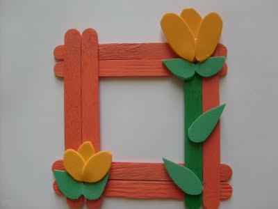 Lembrancinhas Fáceis de Fazer para o Dia Das Mães porta retrto feito com palitos de sorvete e flores de EVA