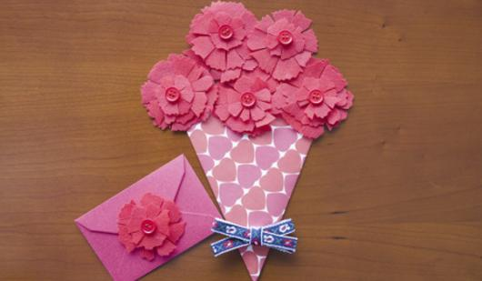 Lembrancinhas Fáceis de Fazer para o Dia Das Mães cartão no formato de arranjo de flores