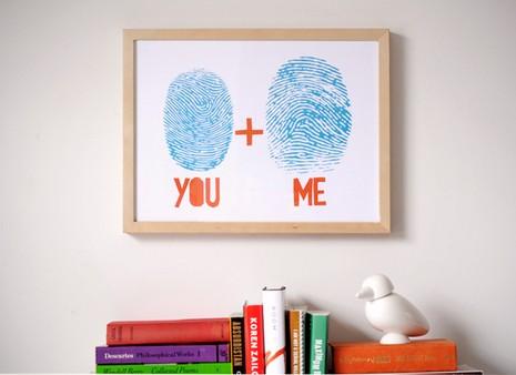Lembrancinhas Fáceis de Fazer para namorado quadro personalizado com digitais do casal