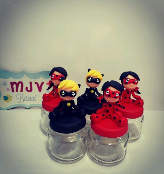 Lembrancinhas Ladybug em biscuit pote de papinha personalizado