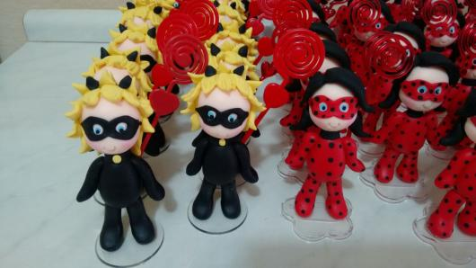 Lembrancinhas Ladybug em biscuit porta bilhete