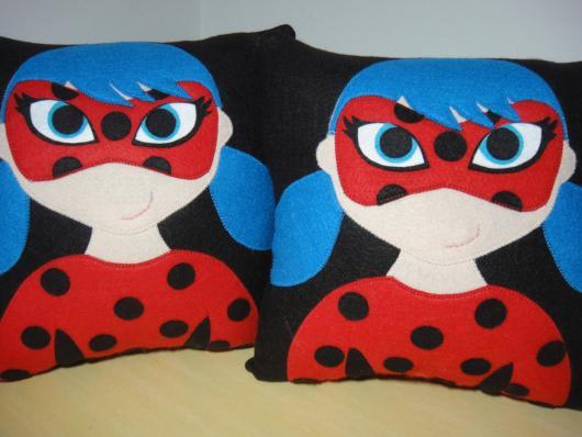 Lembrancinhas Ladybug em feltro almofadas