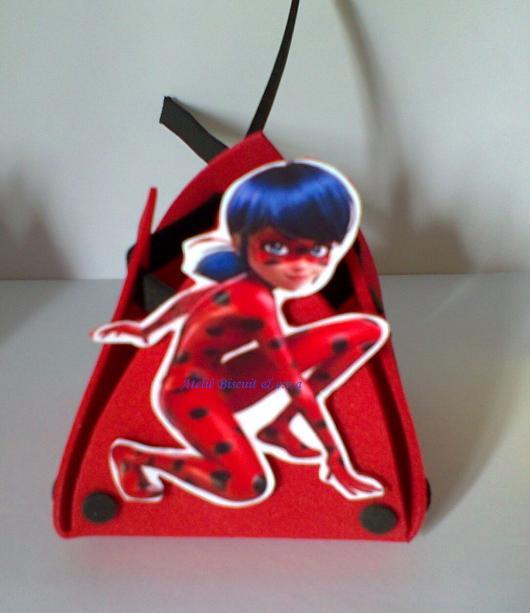 Lembrancinhas Ladybug porta bombom de EVA