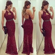 Vestido de Formatura Vermelho com detalhe no pescoço