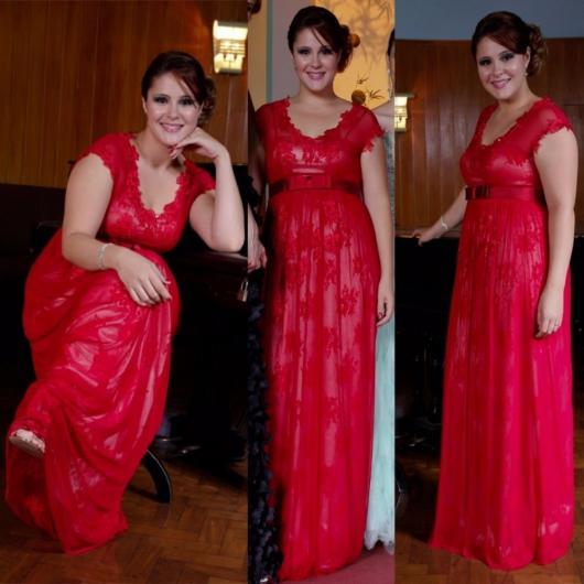 Vestido de Formatura Vermelho com plus size longo com renda