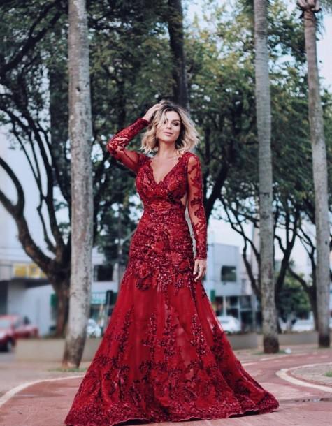 Vestido de Formatura Vermelho com renda rodado