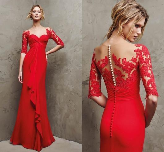 Vestido de Formatura Vermelho com detalhe de perolas nas costas