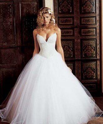Vestido de Noiva Tomara que Caia com tule