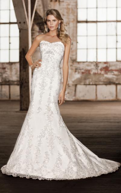Vestido de Noiva Tomara que Caia com bordado de brilhos