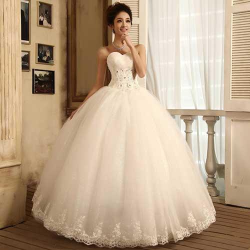 Vestido de Noiva Tomara que Caia com princesa com barra bordada