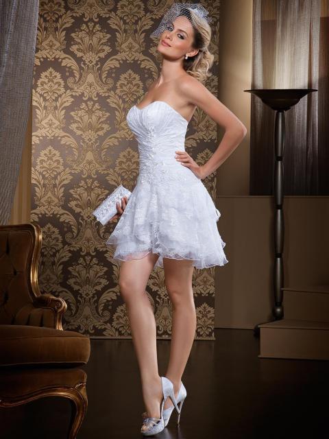 Vestido de Noiva Tomara que Caia curto
